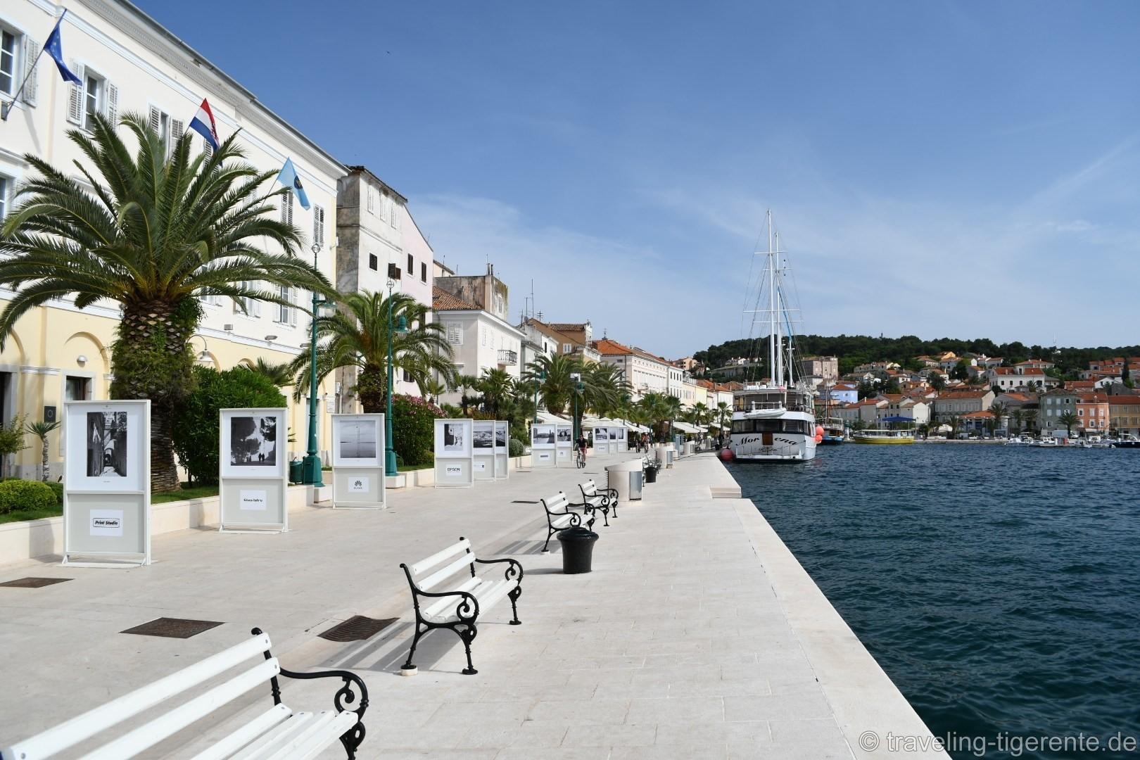 Die malerische Promenade von Mali Lošinj.